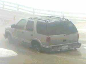 truckstuck.jpg (6646 bytes)